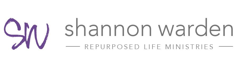 Shannon Warden Retina Logo
